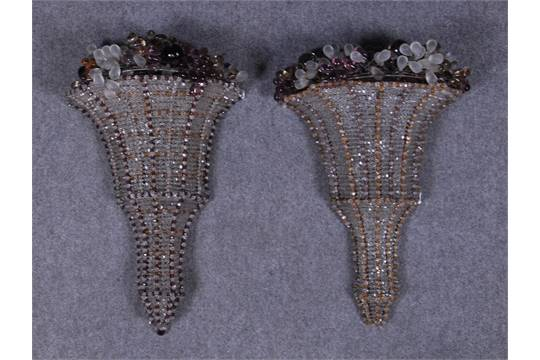 Coppia di applique mezze coniche due luci in vetro con perline e