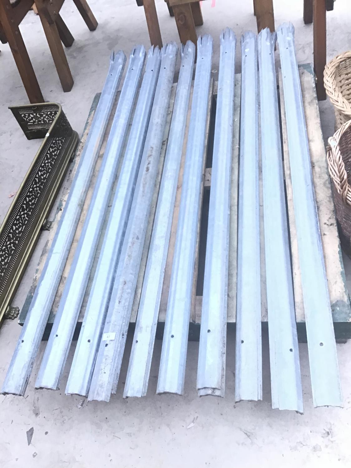 FORTY METAL SECURITY FENCE STAKES