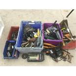 VARIOUS TOOLS, A VINTAGE WOODEN TOOL CARRIER AND BOXES TO INCLUDE A DRILL, POWER DRIVER, SHEARS, SAW