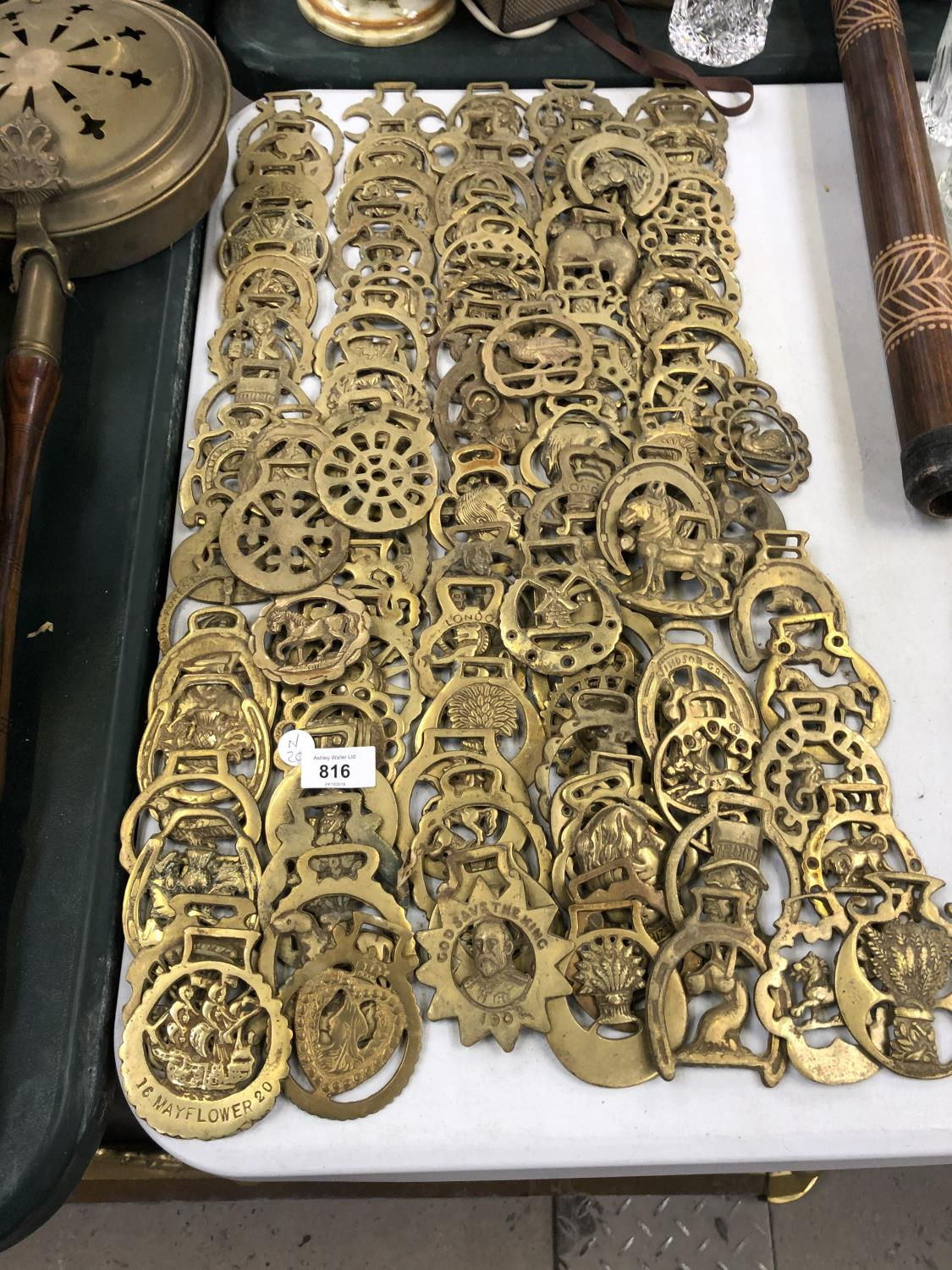 Lot 816 - A LARGE COLLECTION OF VINTAGE HORSE BRASSES