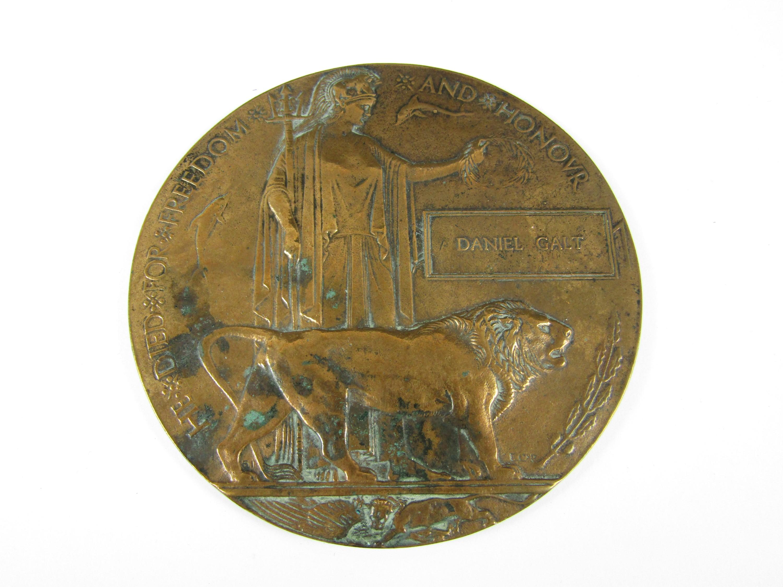 Lot 13 - A Memorial Plaque to Daniel Galt [6th Cameron Highlanders]