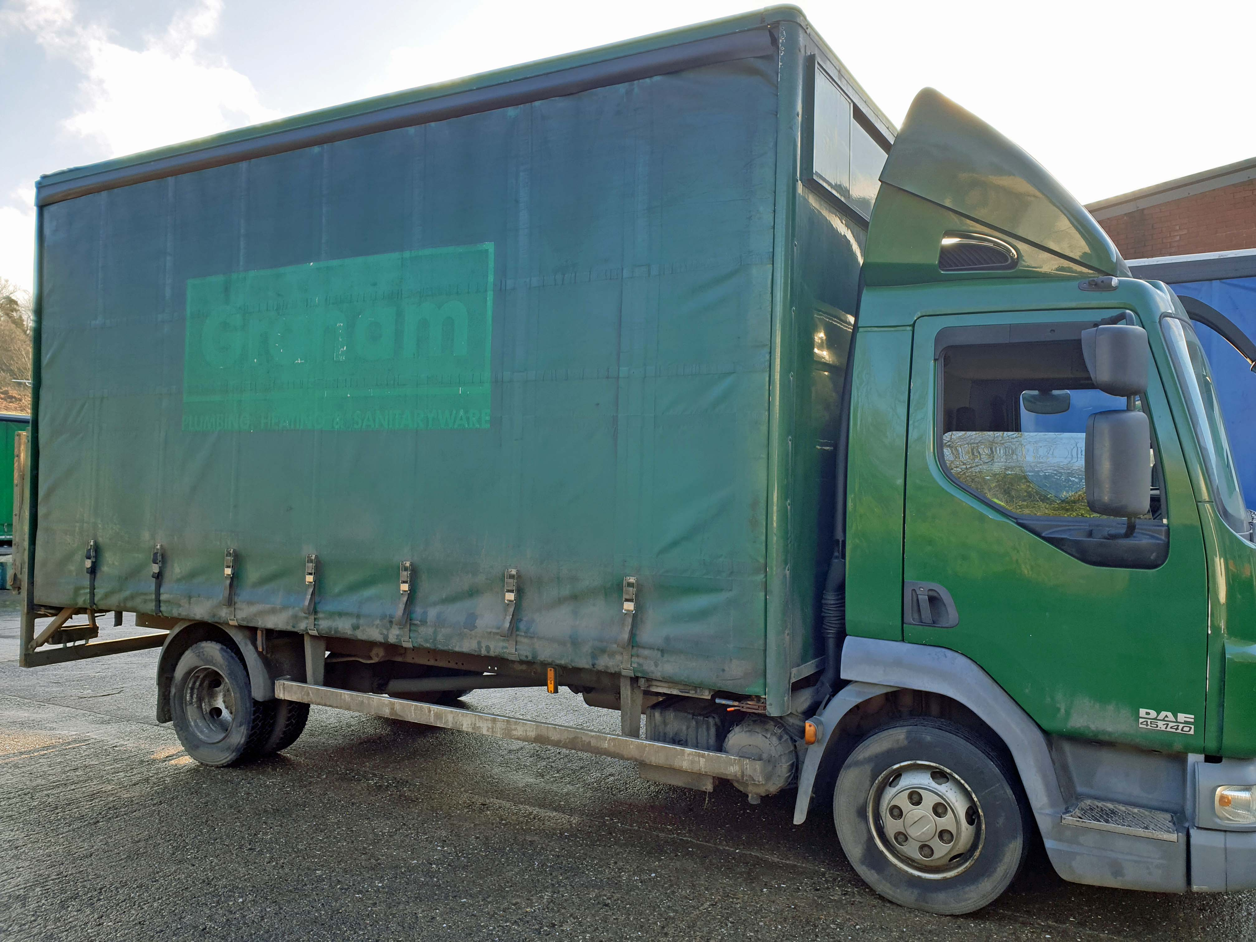 A DAF FA LF45.140 08 E 4461CC Euro4 4x2 7.5-Tonne Curtainside Truck, Registration No. RV59 FVA, - Image 2 of 11