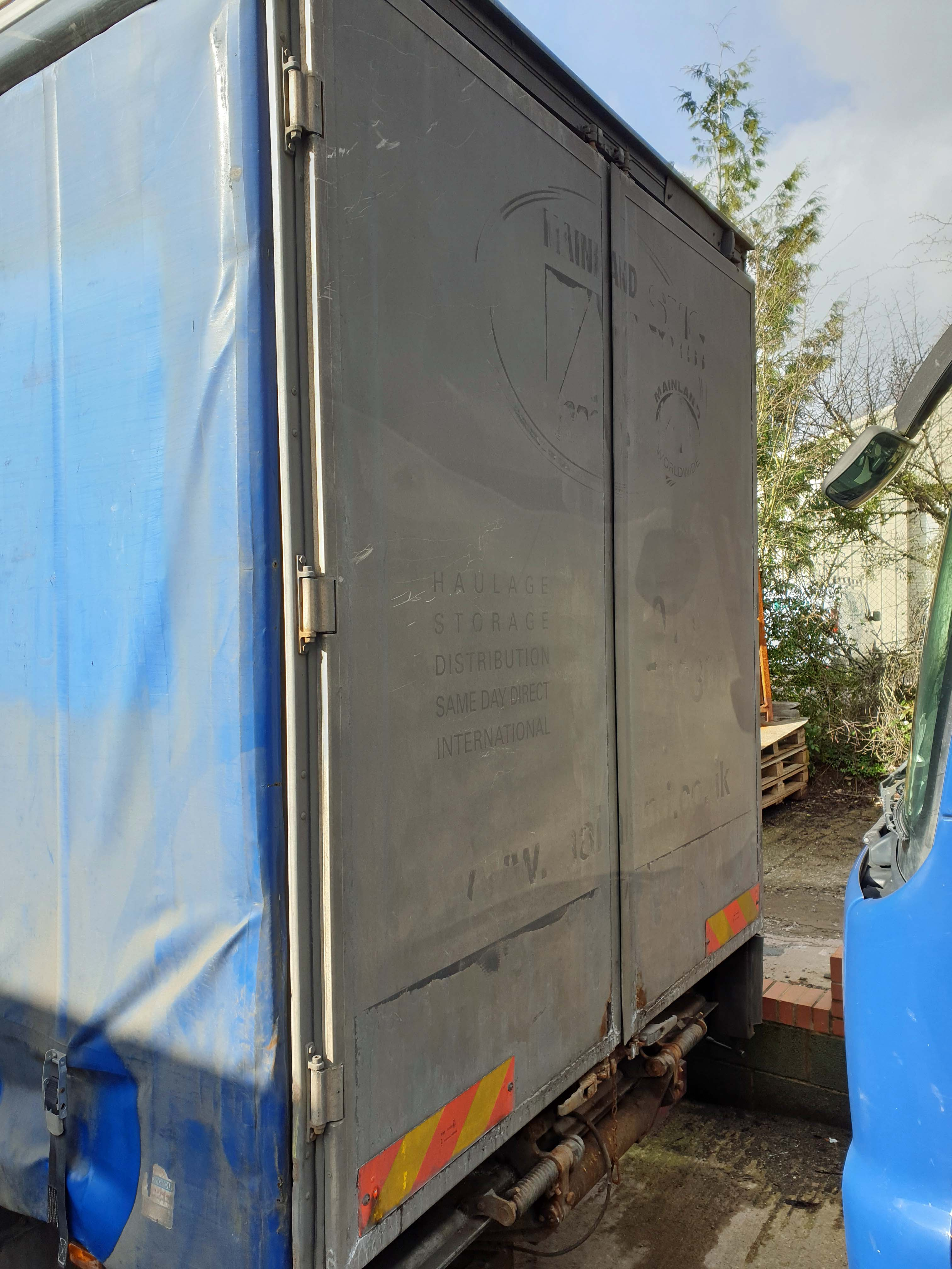An IVECO Cargo ML 180E25 5880cc Euro5 4x2 18-Tonne Curtainside Truck, Registration No. GN59 CCO, - Image 6 of 9