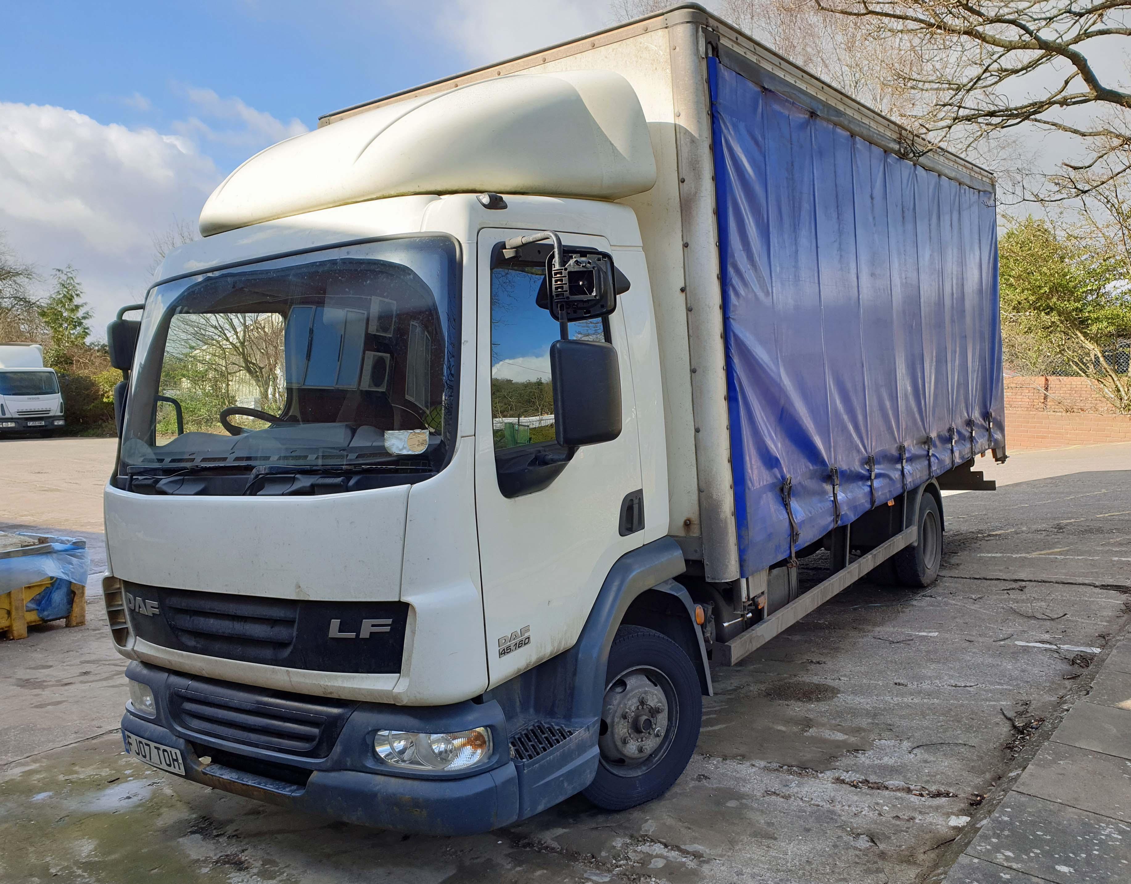 A DAF FA LF45.160 08 E 4500cc 4x2 7.5-Tonne Curtainside Truck, Registration No. FJ07 TOH, First