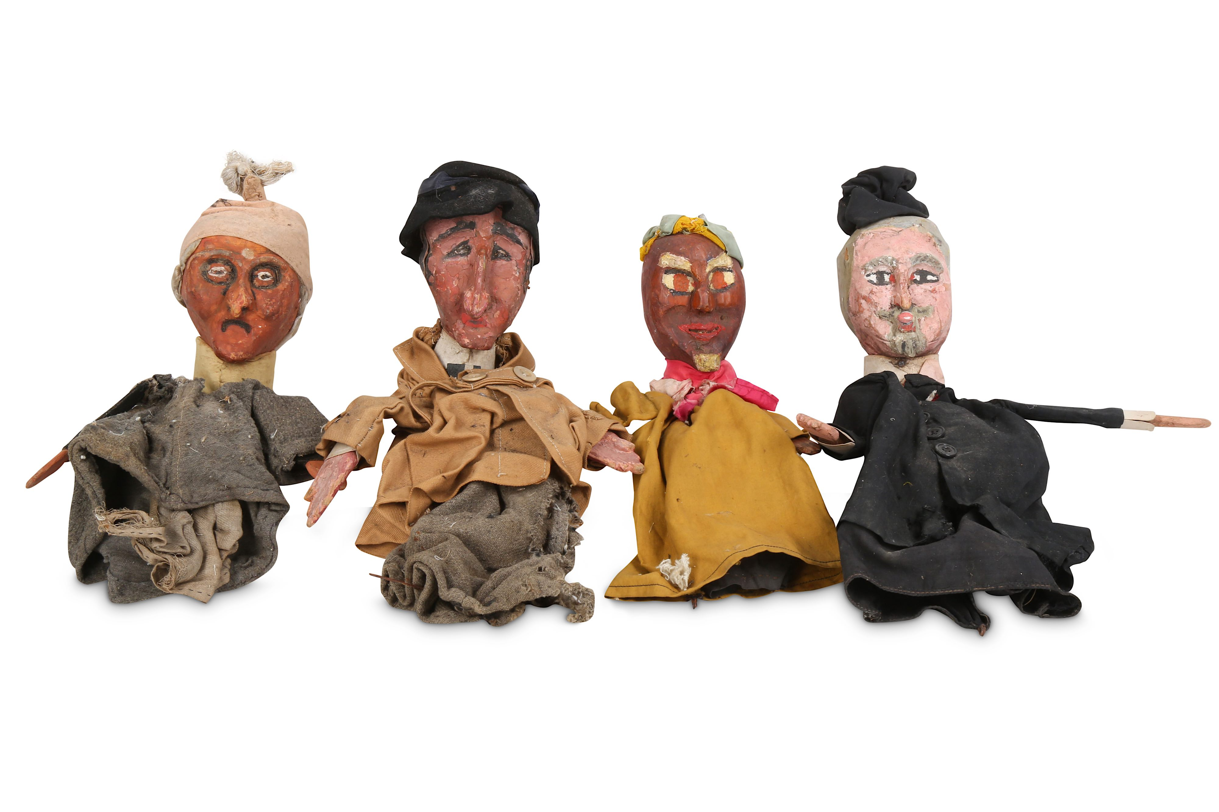 A SET OF EIGHT 1930'S FRENCH HANDPAINTED AND CARVED WOOD PUPPETS FOR 'LE GUIGNOL DES ENFANTS' - Image 3 of 4