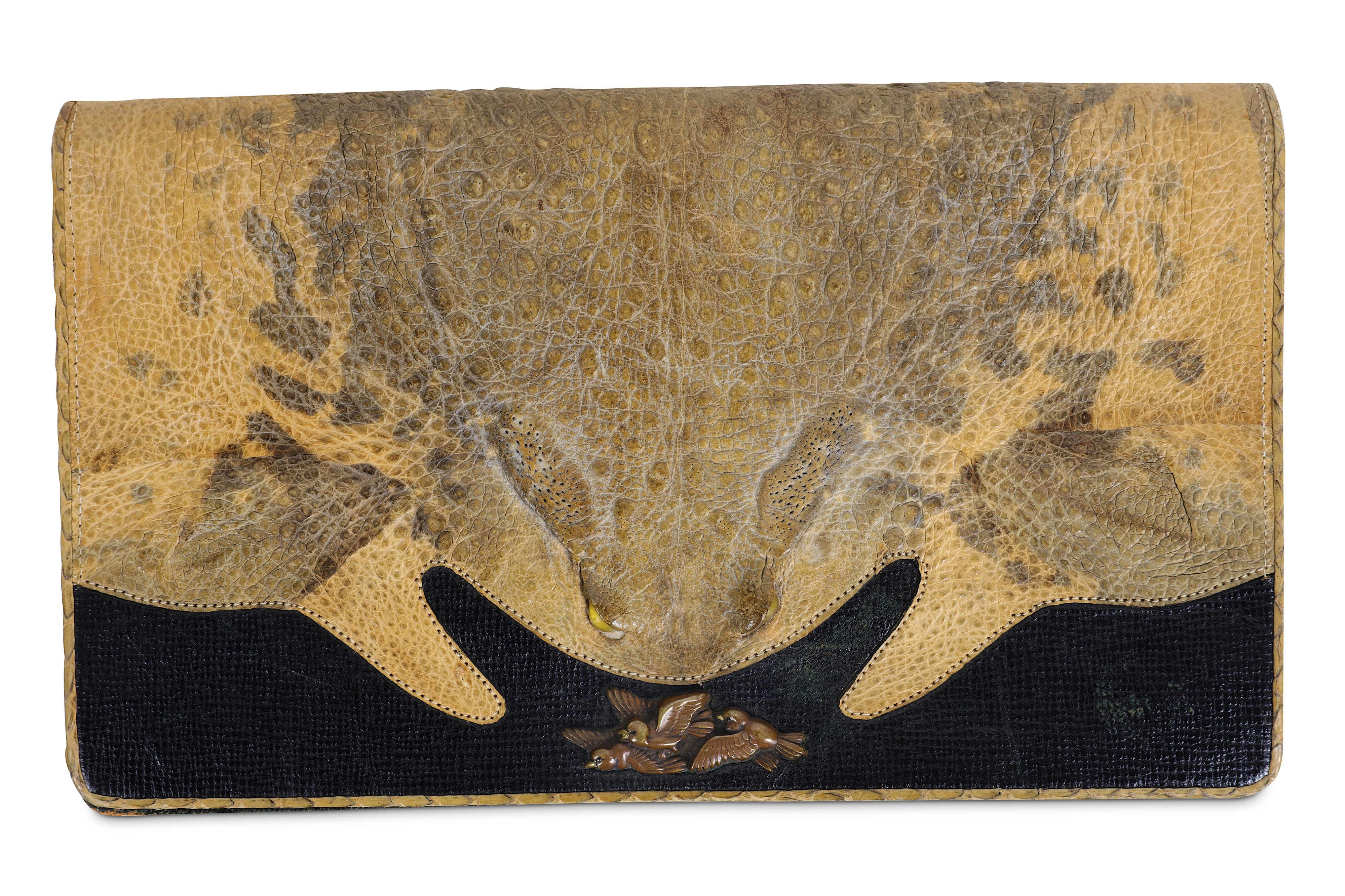A 1930'S JAPANESE PURSE FORMED FROM A CANE TOAD - Image 2 of 3
