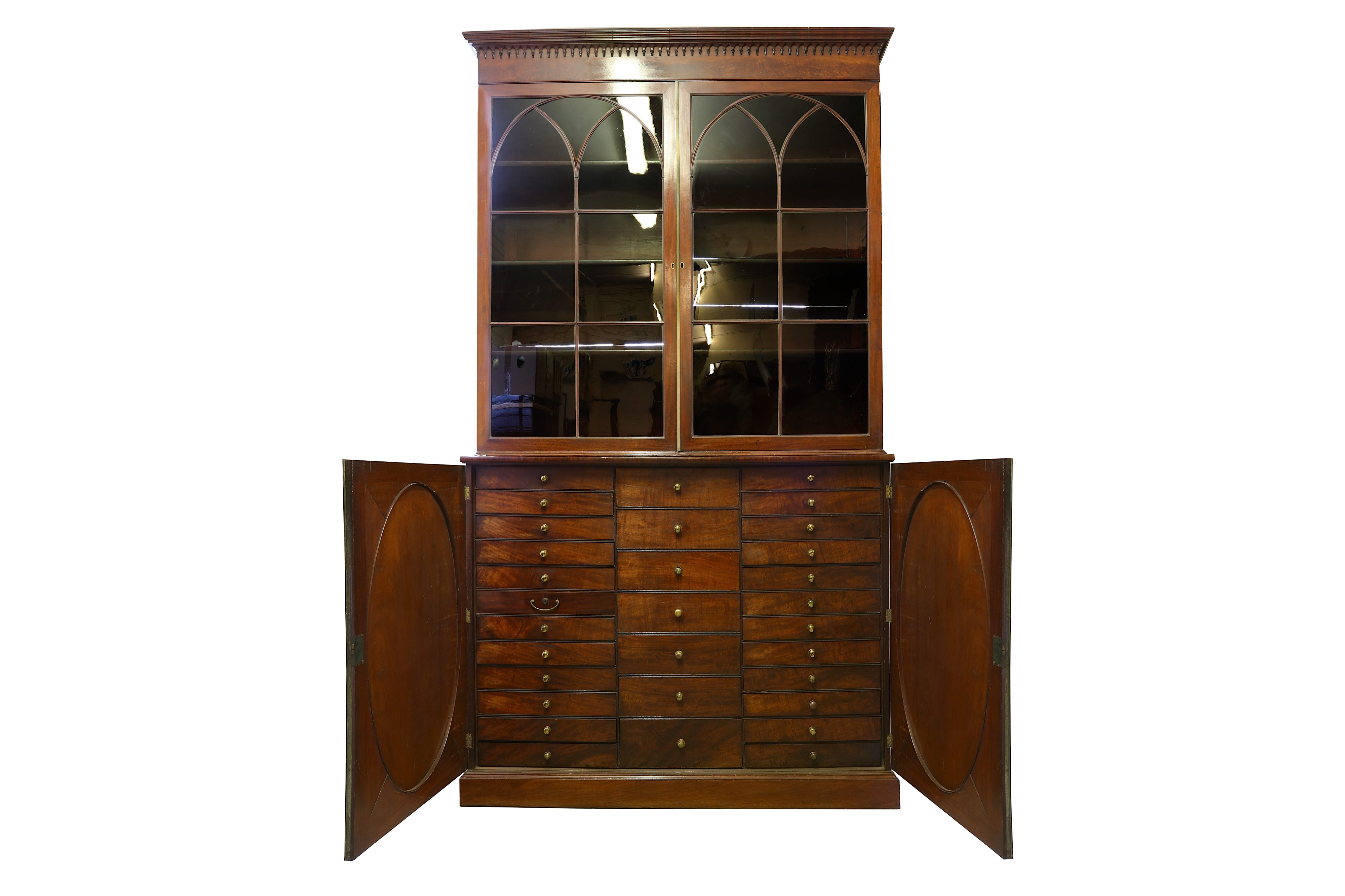 Lot 21 - A GEORGE III MAHOGANY COLLECTOR'S CABINET, CIRCA 1810