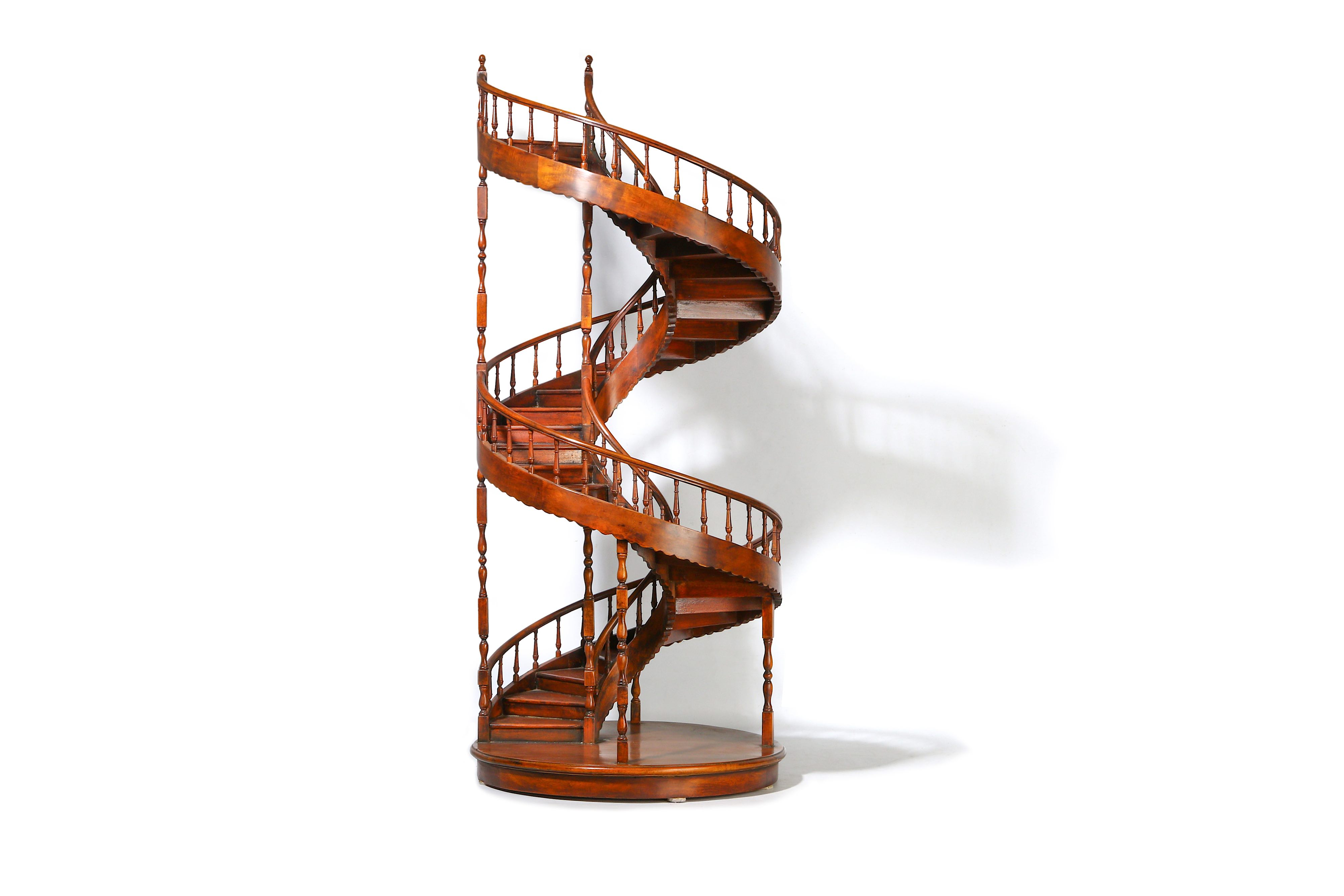 A LARGE EARLY 20TH CENTURY MAHOGANY APPRENTICE'S ARCHITECTURAL MODEL OF A SPIRAL STAIRCASE - Image 2 of 9