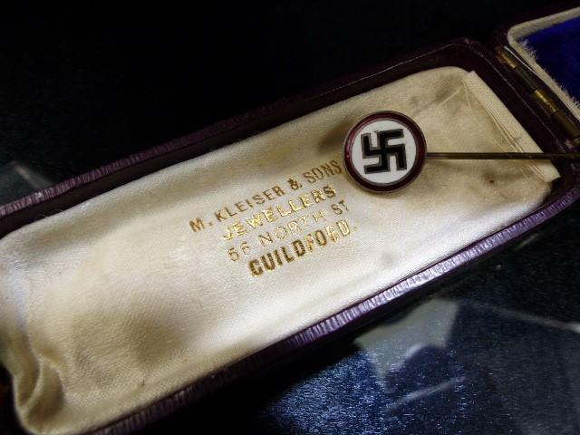 Nazi enamel Tie pin original box marked M. Kleiser & Sons - Image 3 of 3