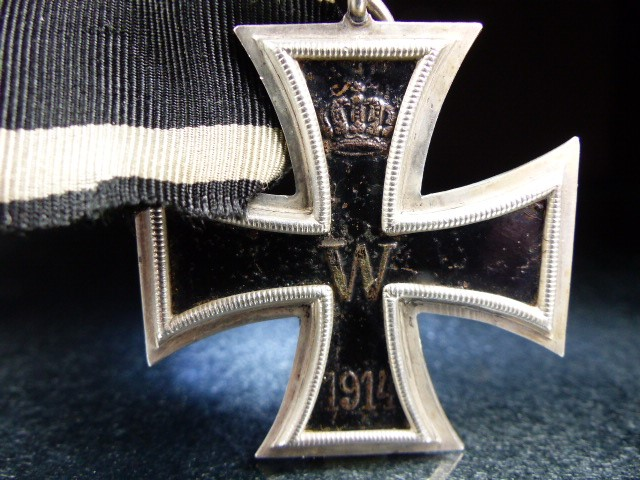 """Nazi Cross Medal on Black ribbon marked 1813 and 1914 with a central """"W"""" - Image 2 of 5"""