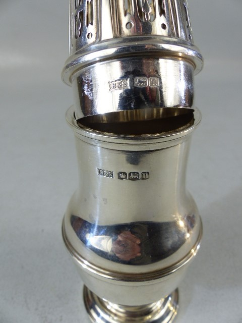 Silver hallmarked sugar shaker by Brook & Son - Image 3 of 4
