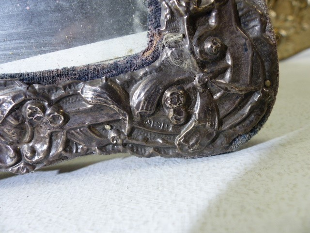 Two Silver coloured ornate photo frames and one small hallmarked Silver photo frame - Image 3 of 6