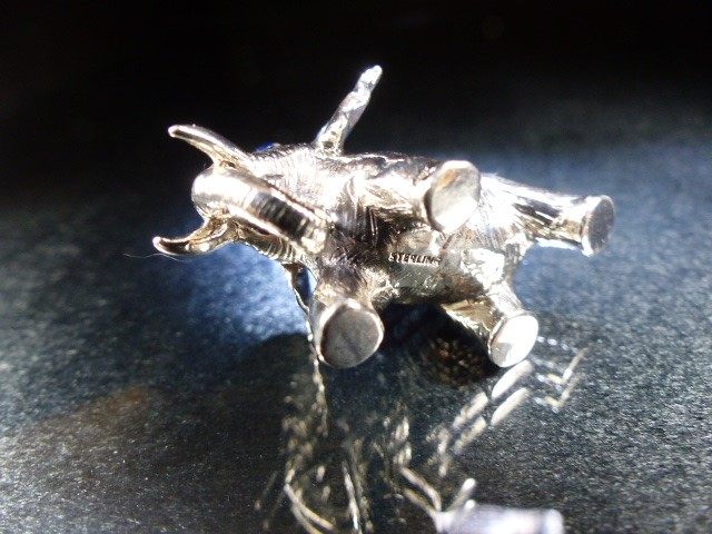 Silver elephant figure pincushion - Image 5 of 5