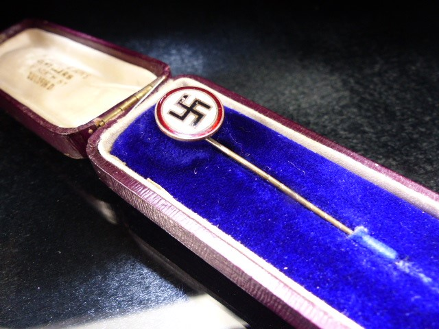 Nazi enamel Tie pin original box marked M. Kleiser & Sons