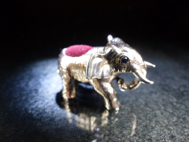 Silver elephant figure pincushion