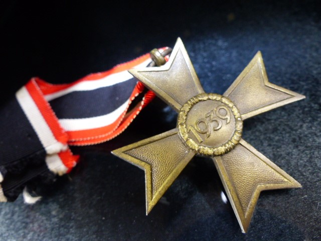 Nazi Medal with Swastika on Ribbon marked 1939 - Image 2 of 3