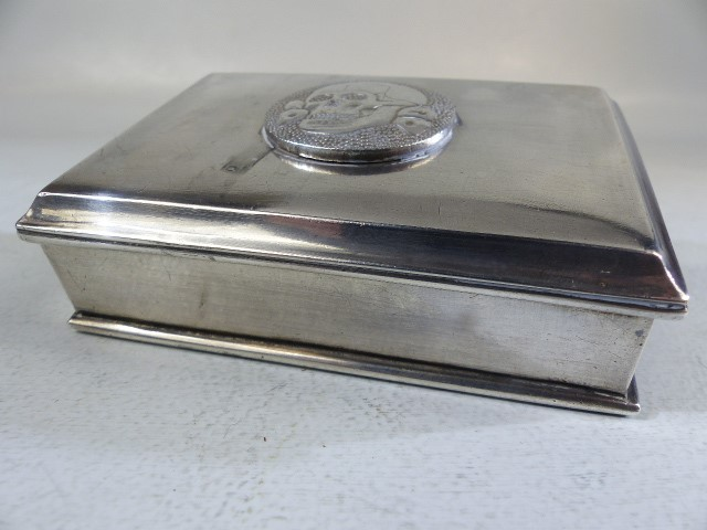 Silver cigarette/ card box marked 800 to the reverse the lid surmounted with a skull and cross bones - Image 2 of 6
