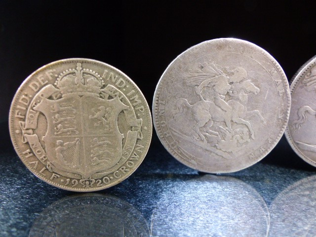 A Silver George III crown, 1819 and Victoria crowns 1888 & 1890 and a George V 1920 half crown. - Image 2 of 6