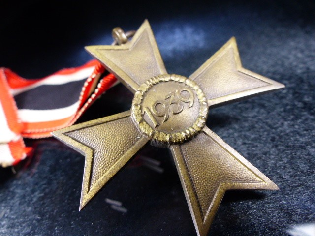 Nazi Medal with Swastika on Ribbon marked 1939 - Image 3 of 3