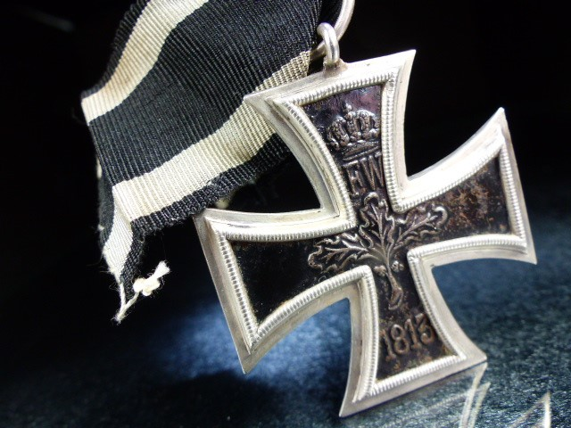 """Nazi Cross Medal on Black ribbon marked 1813 and 1914 with a central """"W"""" - Image 3 of 5"""