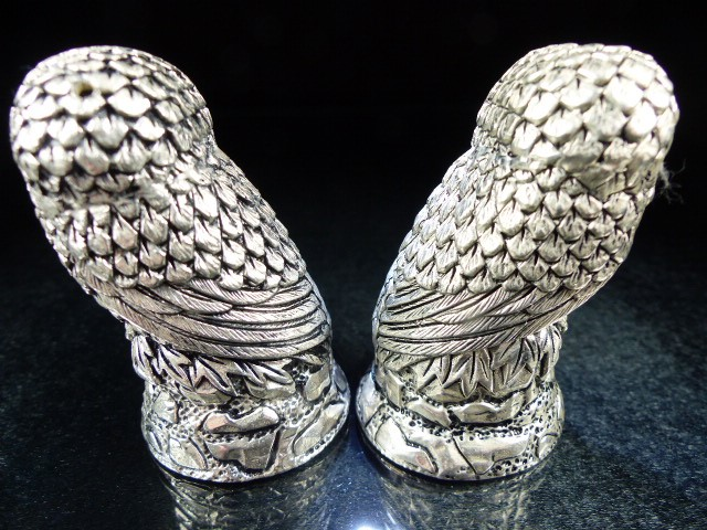Pair of condiments in the form of owls - Image 3 of 5