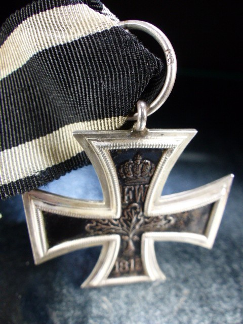 "Nazi Cross Medal on Black ribbon marked 1813 and 1914 with a central ""W"" - Image 5 of 5"
