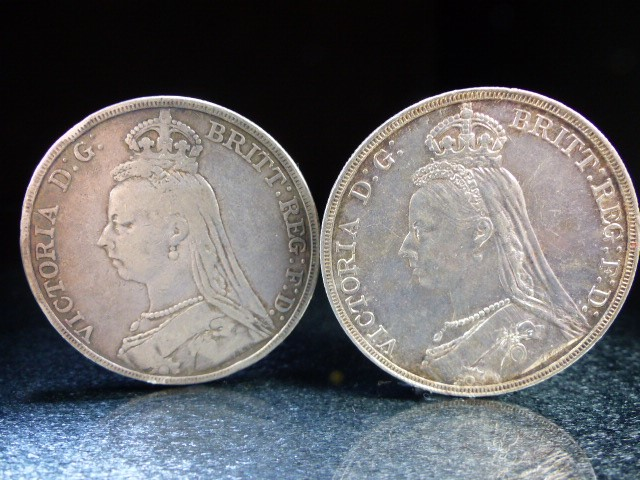 A Silver George III crown, 1819 and Victoria crowns 1888 & 1890 and a George V 1920 half crown. - Image 6 of 6