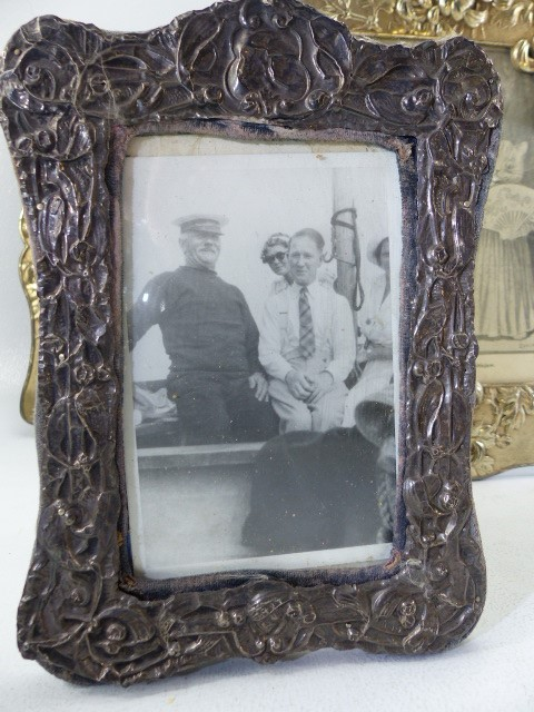 Two Silver coloured ornate photo frames and one small hallmarked Silver photo frame - Image 2 of 6