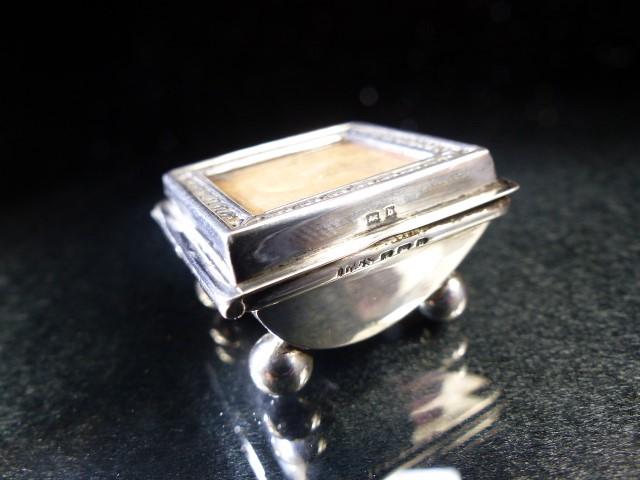 Hallmarked Silver Stamp box on four bun feet Birmingham 1901 - Image 6 of 6