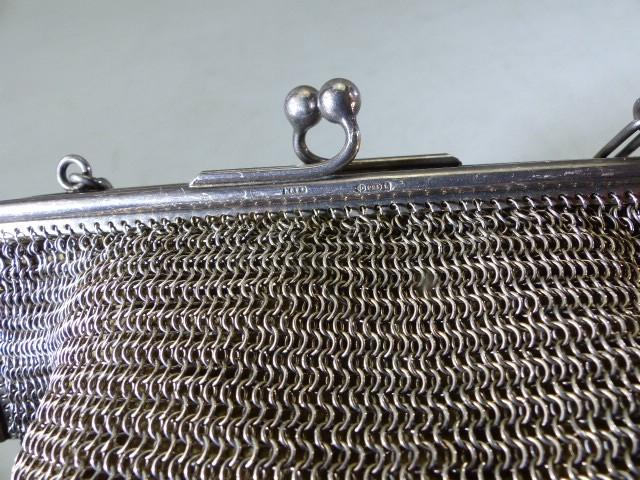 1920's chain link purse the frame Silver marked 925 and each link of the strap marked 925 - Image 2 of 4