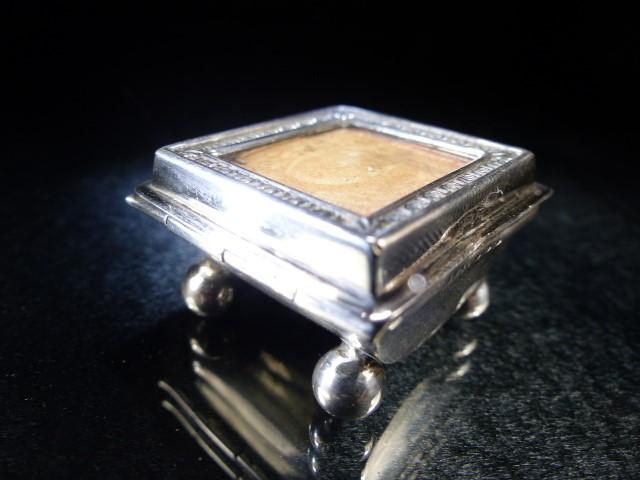 Hallmarked Silver Stamp box on four bun feet Birmingham 1901 - Image 3 of 6