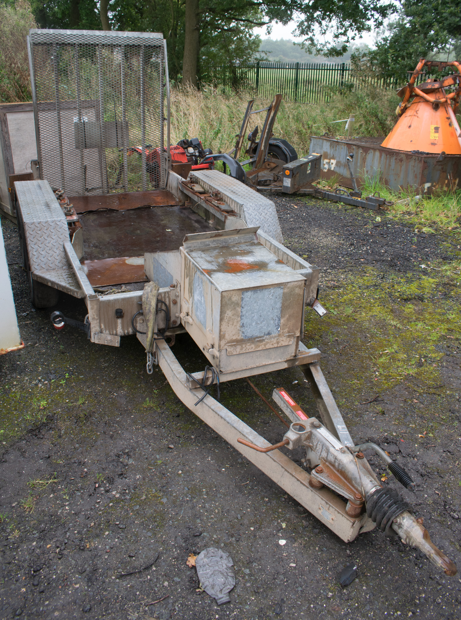 Lot 119 - INDESPENSION tandem axle mini digger trailer *rear wheel missing*