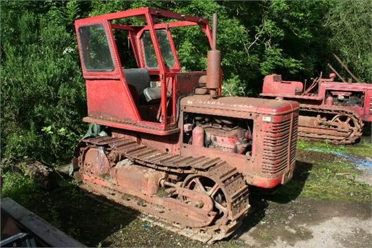 IH TD6 Original c/w cab c1945-50? The later