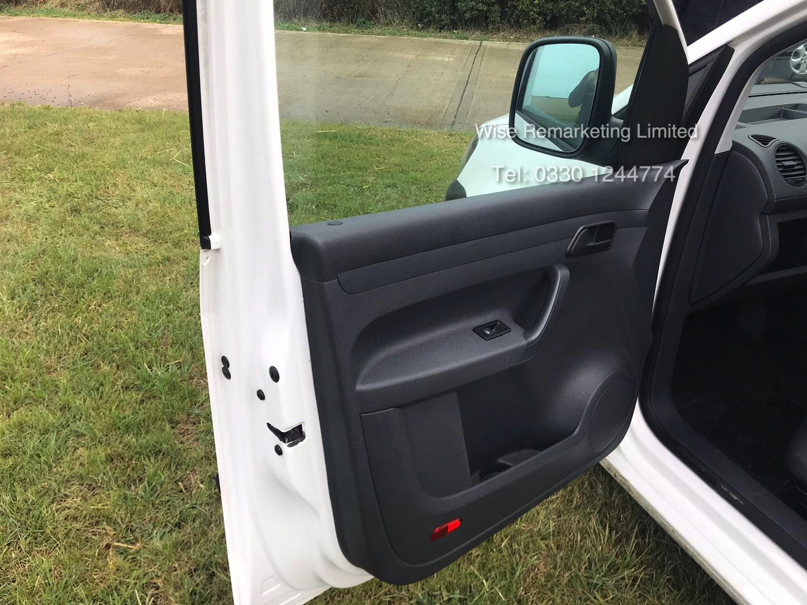 Volkswagen Caddy C20 + Startline 1.6 Tdi - 2014 Model - White - Side Loading Door - Ply Lined - Image 9 of 13