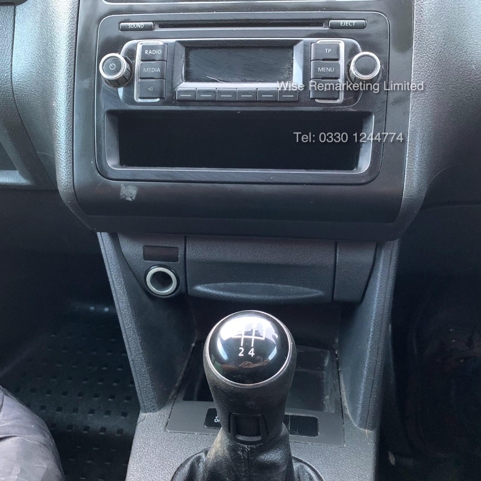 Volkswagen Caddy C20 1.6 TDI - 2013 13 Reg - Silver - Side Loading Door - Ply Lined - Image 17 of 18