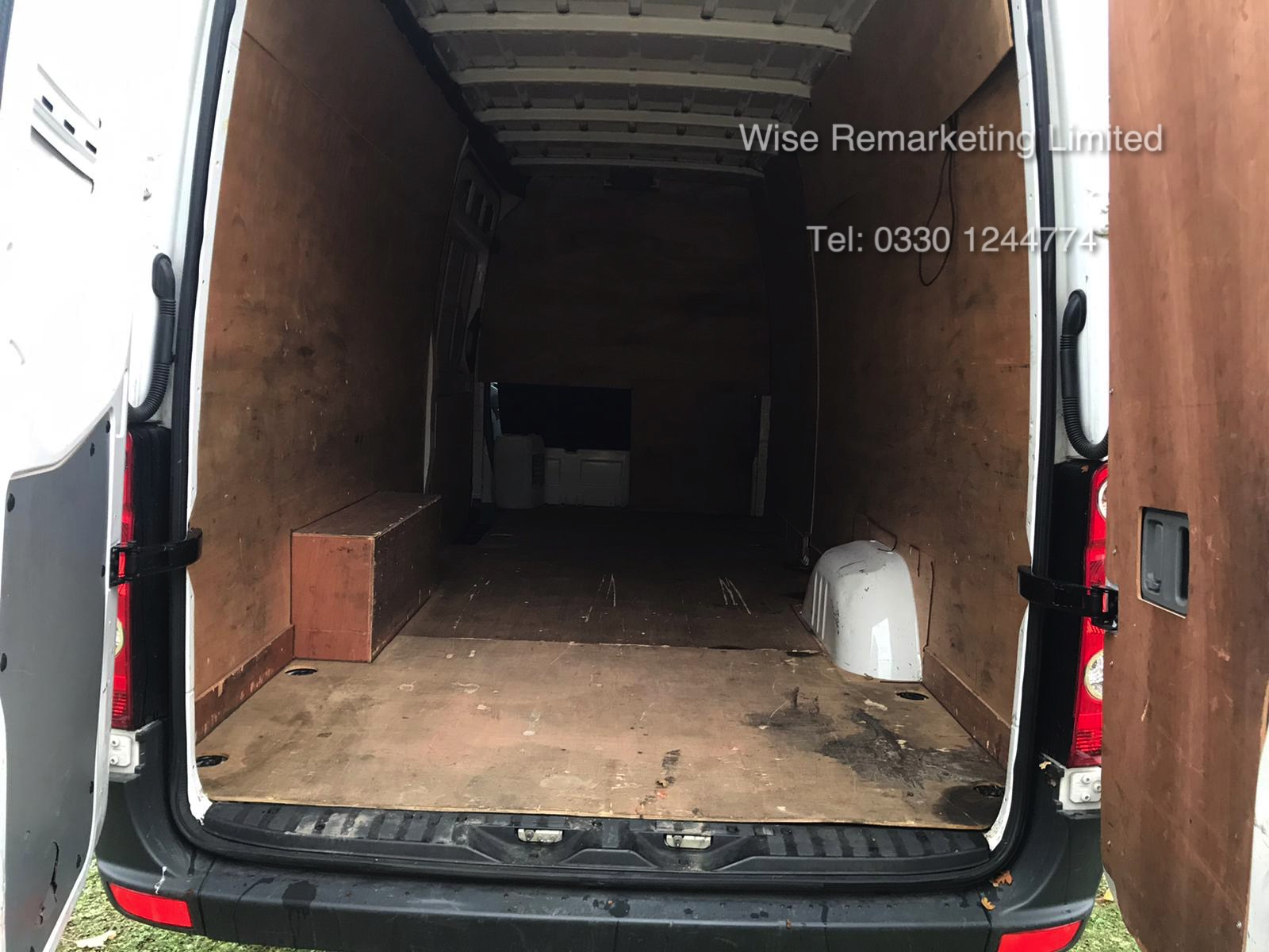 Volkswagen Crafter CR35 Startline 2.0l TDi - LWB - 2016 Model -1 Keeper From New - Service History - Image 5 of 15