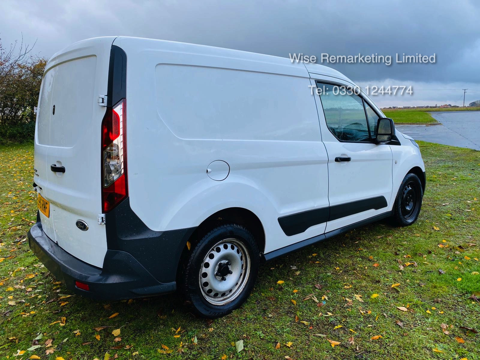 Ford Transit Connect 200 1.6 TDCI - 2016 16 Reg - 1 Keeper From New - Elec Pack -Bluetooth - Image 7 of 18