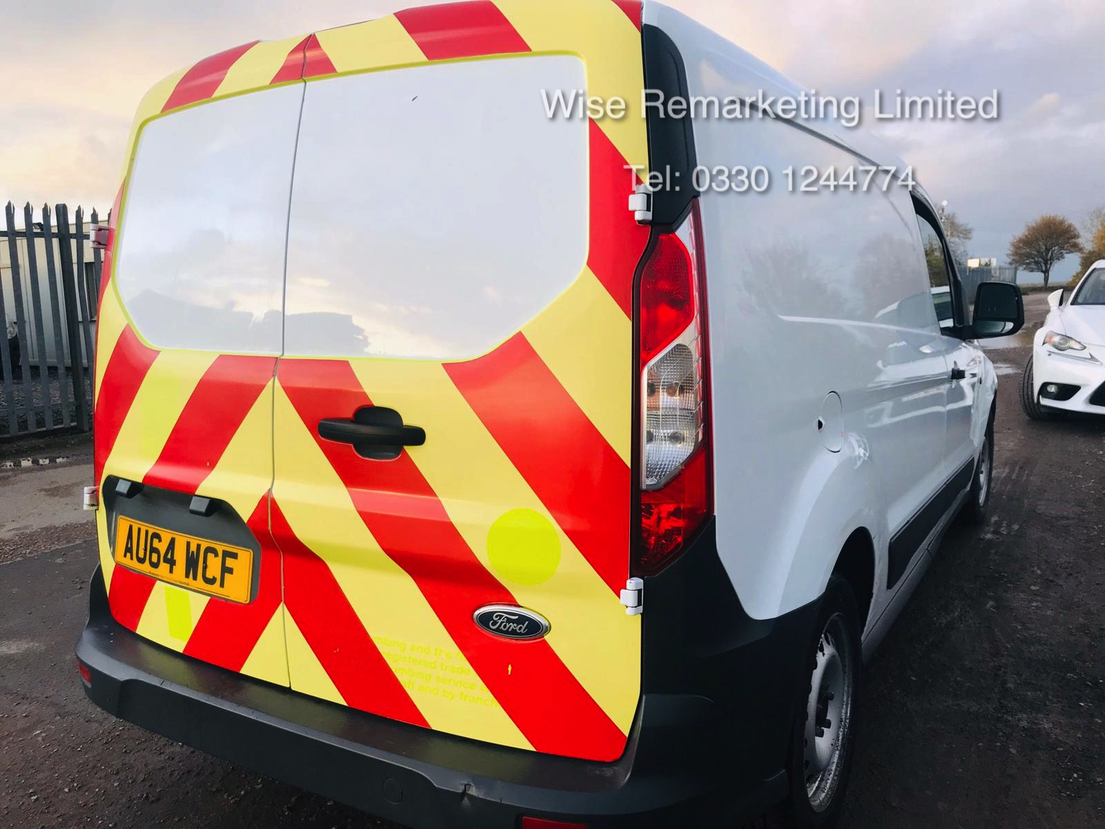 Ford Transit Connect 210 1.6 Eco-Tech LWB - 2015 Model - Service History - Ply Lined - Image 4 of 15