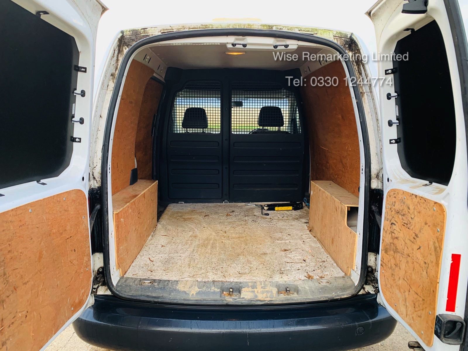 Volkswagen Caddy C20 1.6 TDI - 2012 Model - 1 Keeper From New - Side Loading Door - Ply Lined - Image 10 of 16