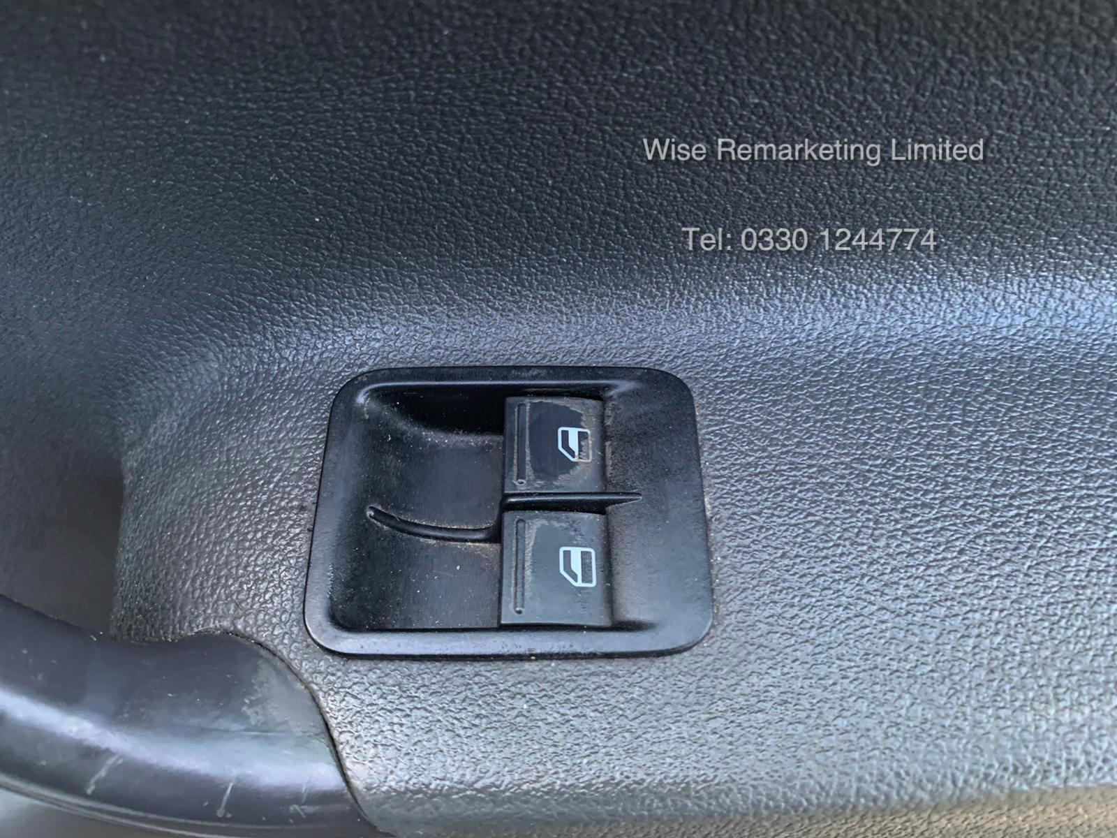 Volkswagen Caddy C20 1.6 TDI - 2013 13 Reg - Silver - Side Loading Door - Ply Lined - Image 16 of 18