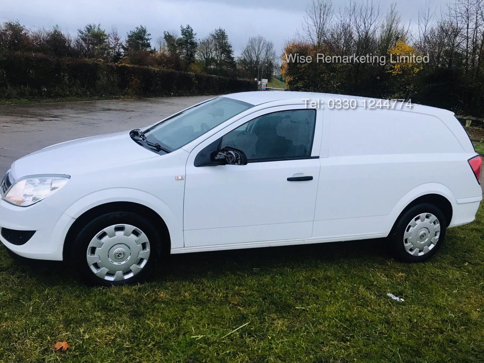Vauxhall Astra Van 1.3 CDTi - 2011 Model - 5 Seater Crew Van - SAVE 20% NO VAT - Image 3 of 15