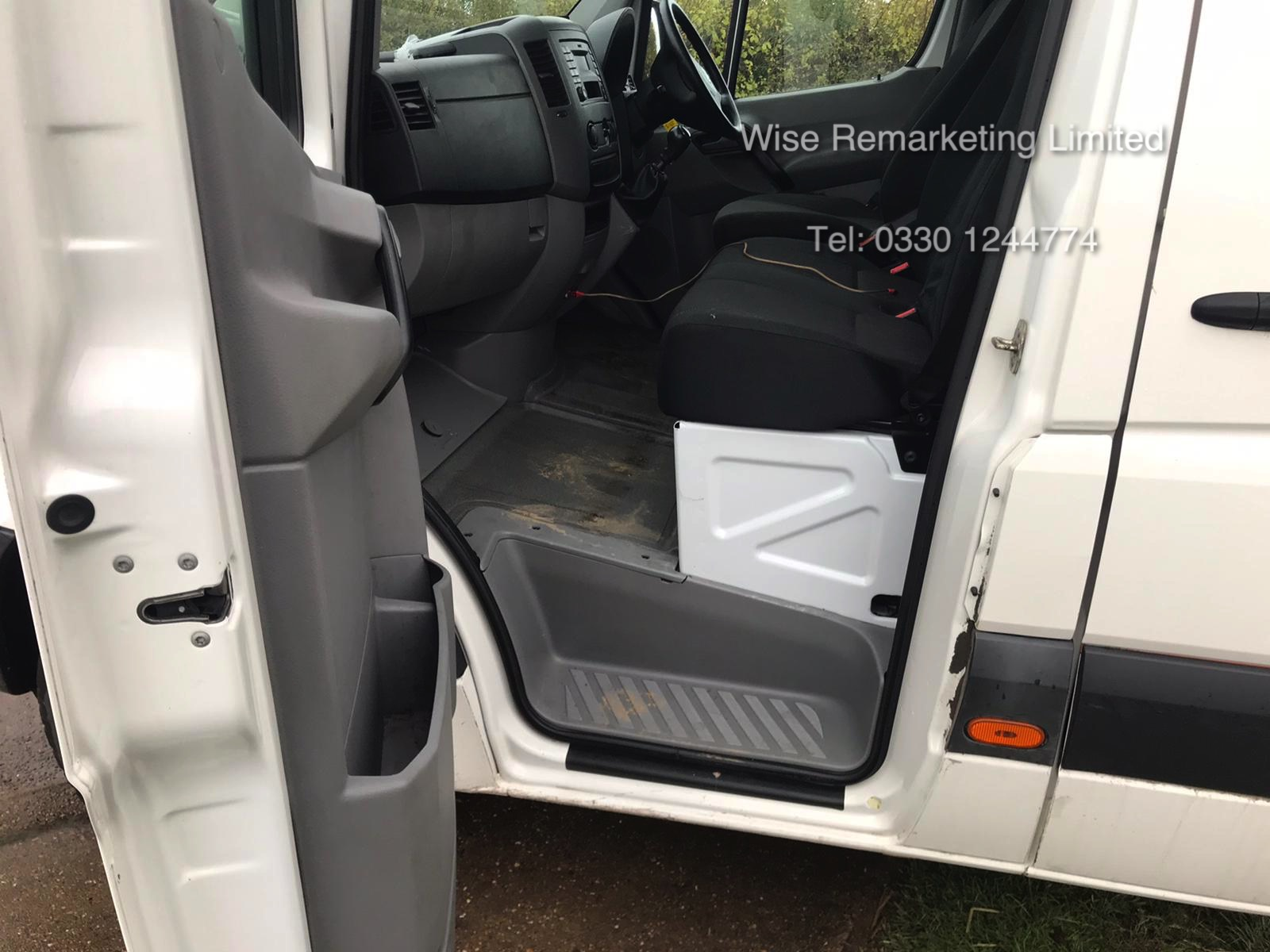 Volkswagen Crafter CR35 Startline 2.0l TDi - LWB - 2016 Model -1 Keeper From New - Service History - Image 9 of 15