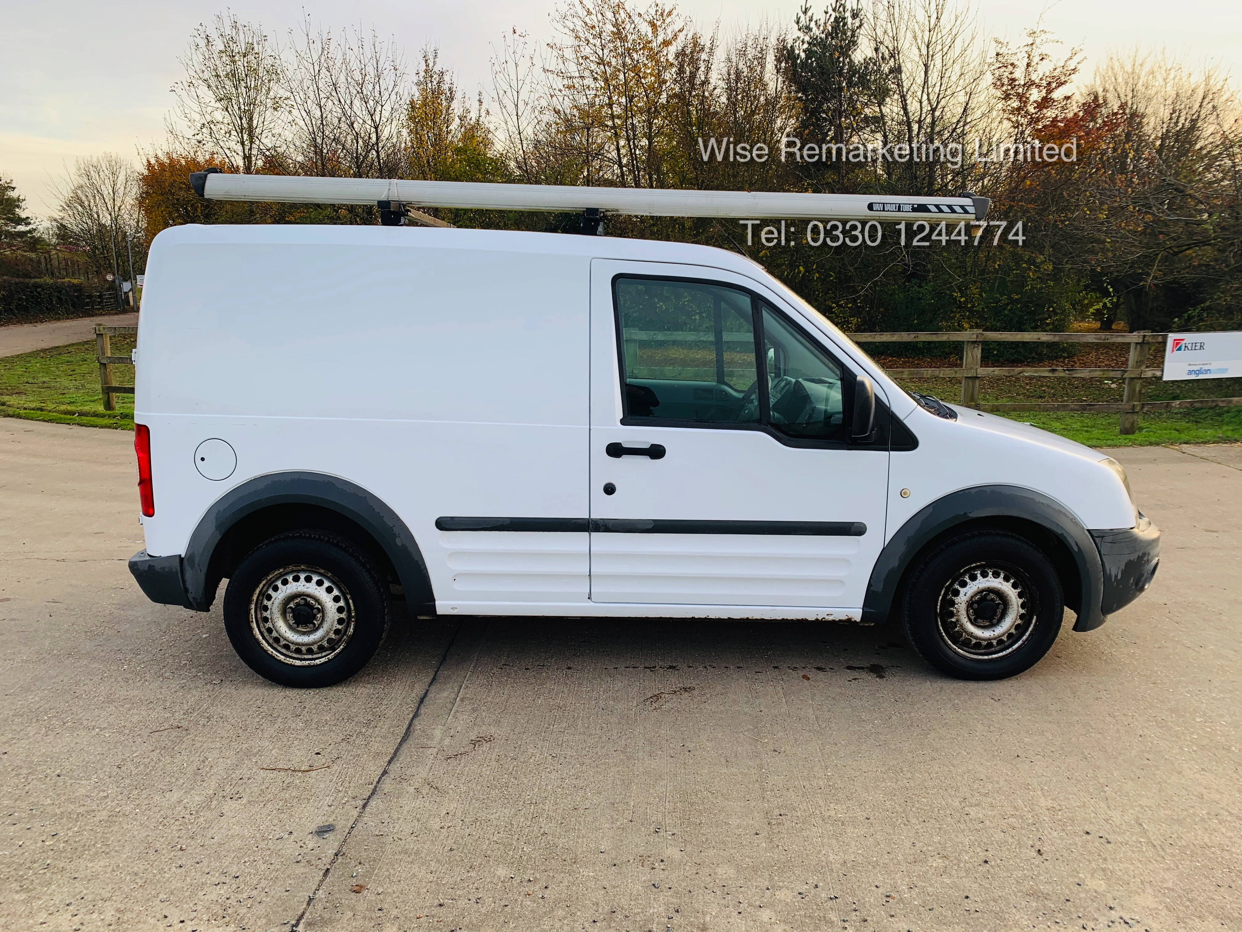 Ford Transit Connect T200 1.8 - 2010 Model - Side Loading Door - Ply Lined - Image 2 of 19