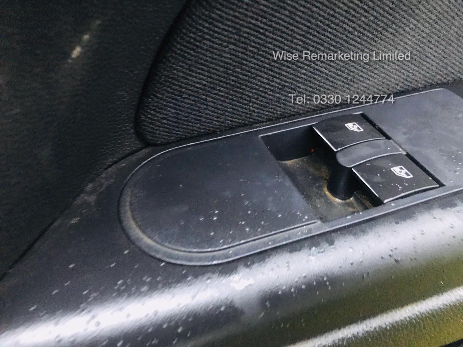 Vauxhall Astra Van 1.3 CDTi - 2011 Model - 5 Seater Crew Van - SAVE 20% NO VAT - Image 10 of 15