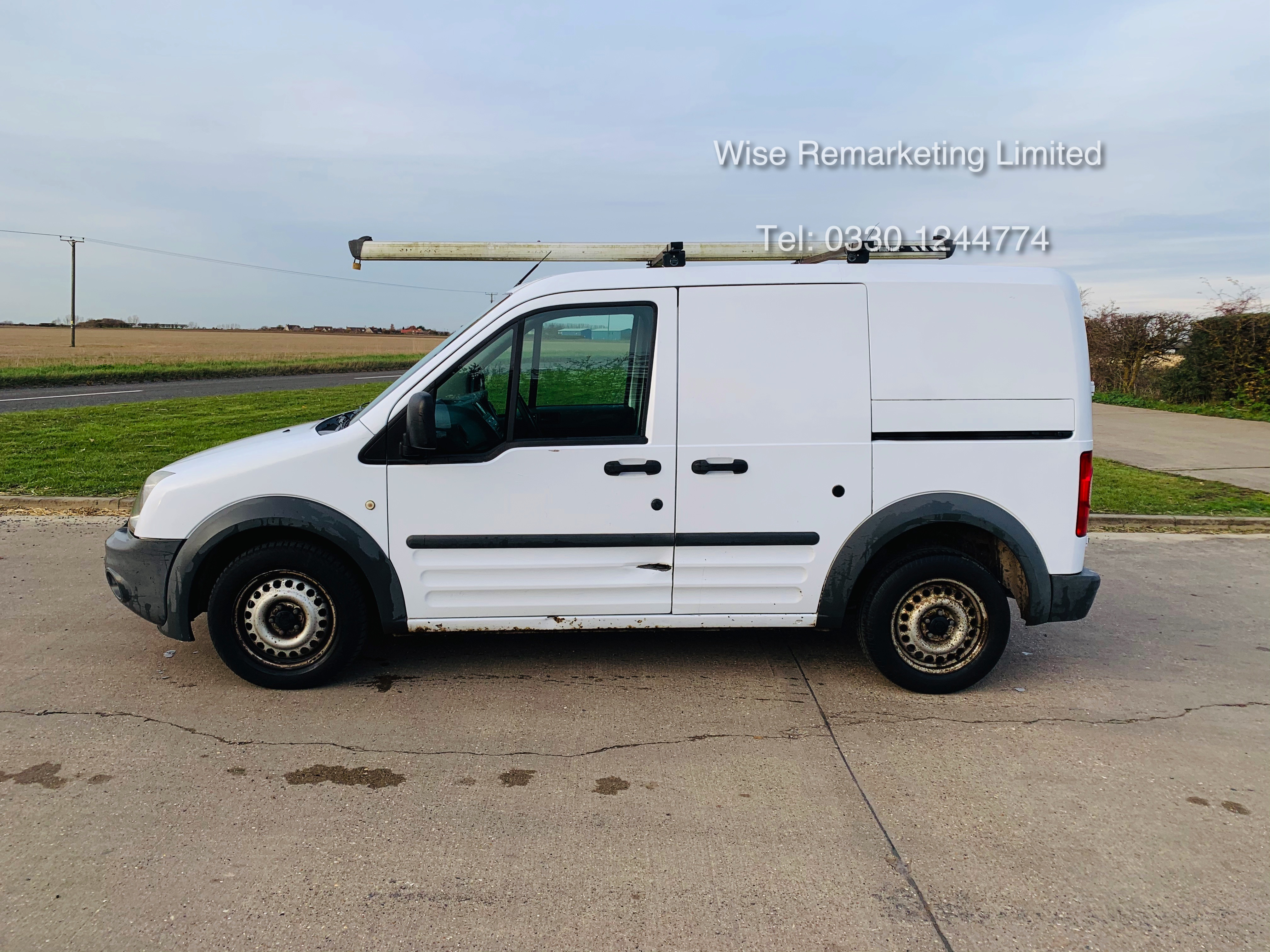 Ford Transit Connect T200 1.8 - 2010 Model - Side Loading Door - Ply Lined - Image 5 of 19