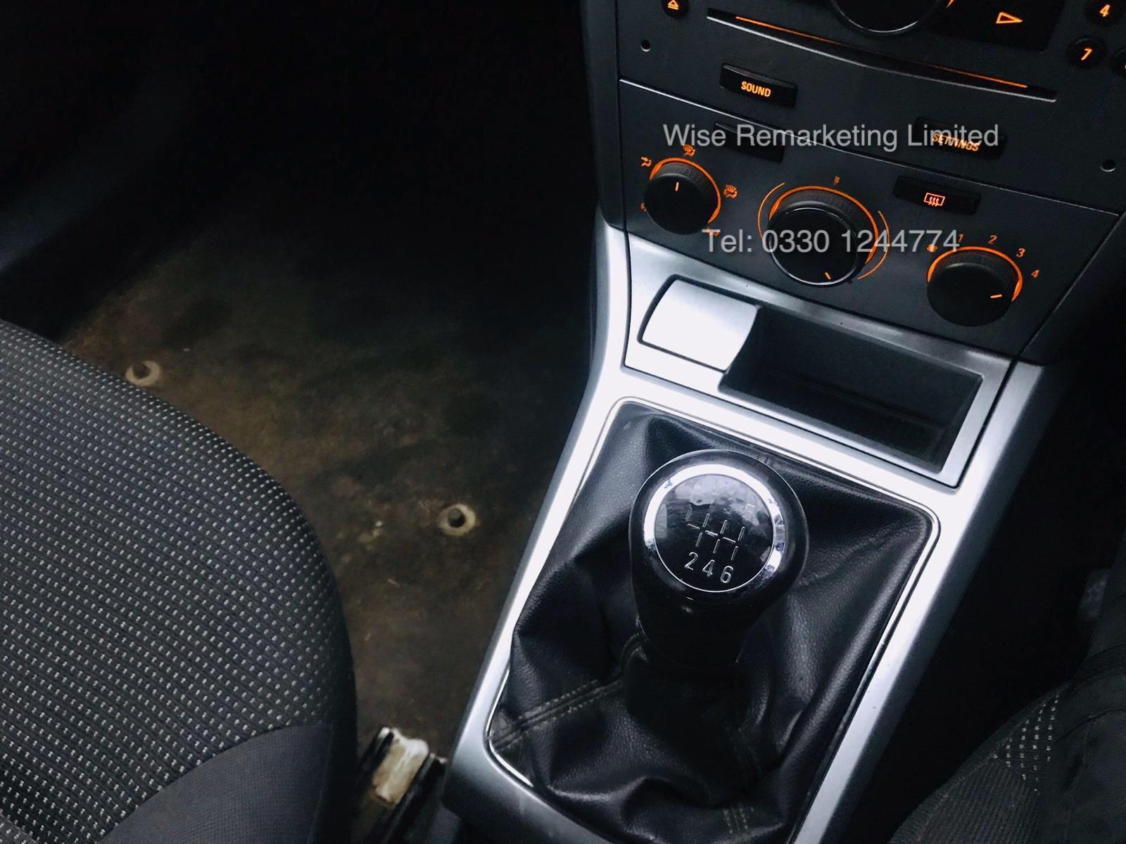 Vauxhall Astra Van 1.3 CDTi - 2011 Model - 5 Seater Crew Van - SAVE 20% NO VAT - Image 7 of 15