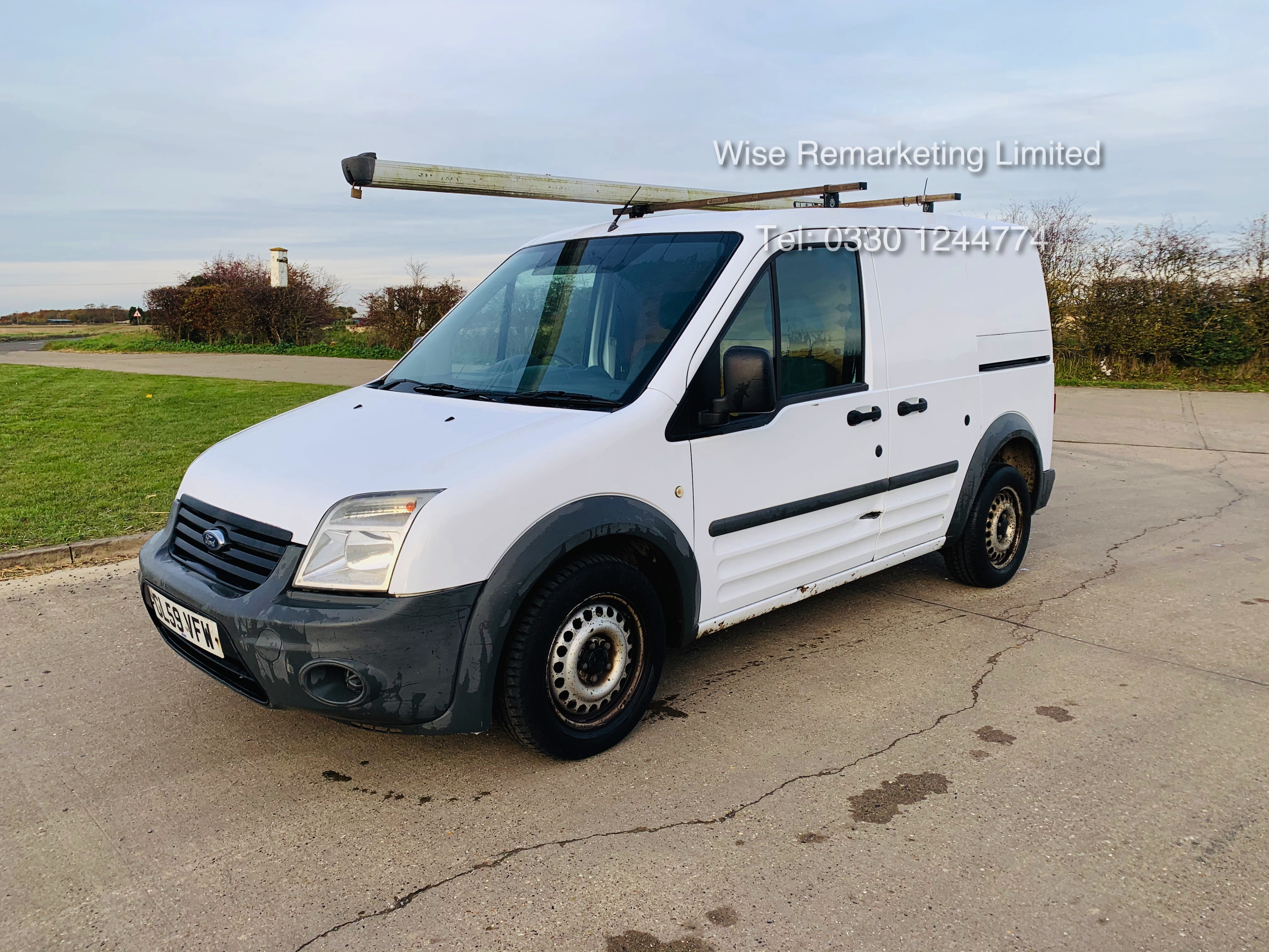 Ford Transit Connect T200 1.8 - 2010 Model - Side Loading Door - Ply Lined
