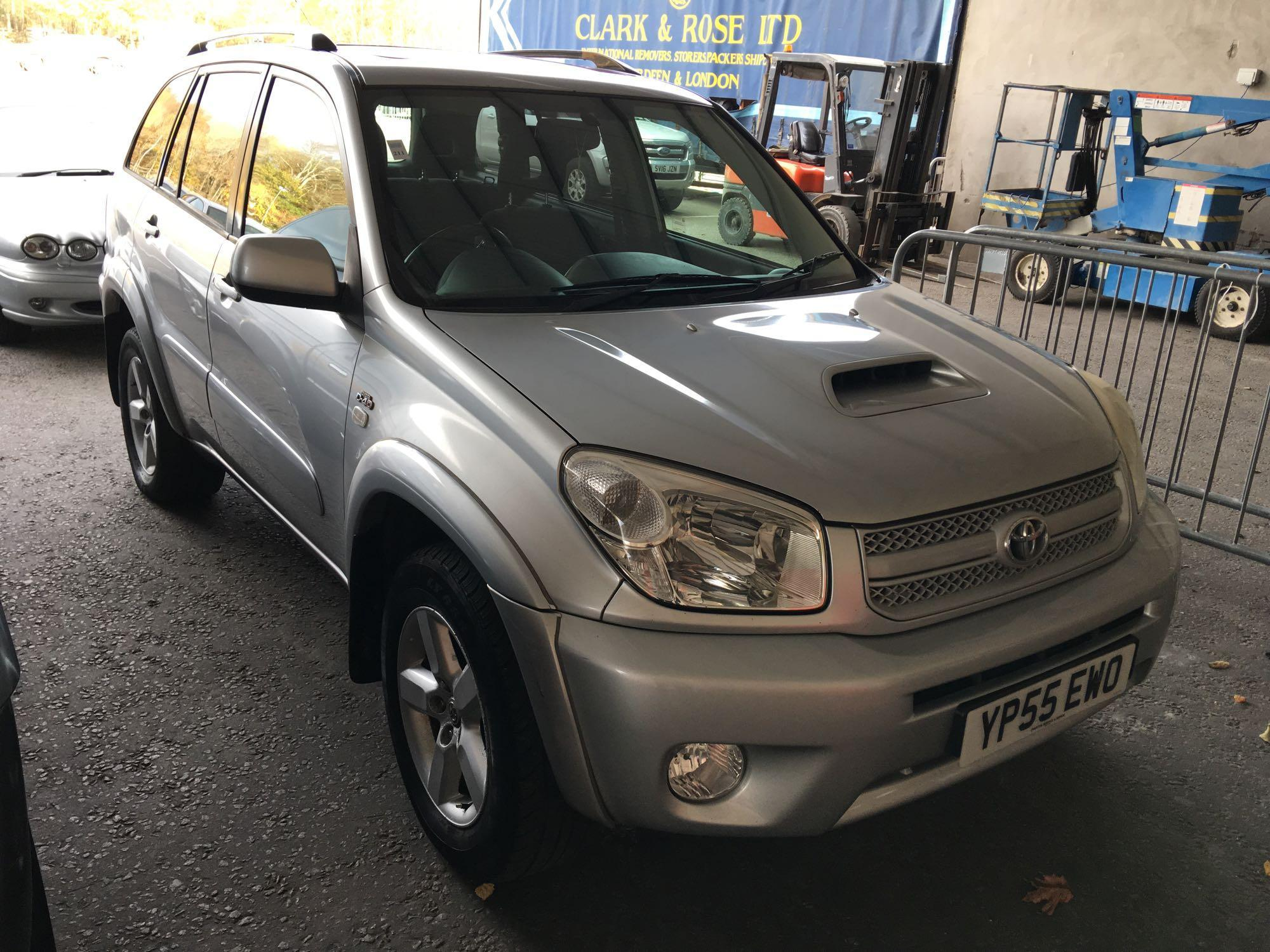 Lot 211 - Toyota Rav4 Xt-r D-4d - 1995cc Estate