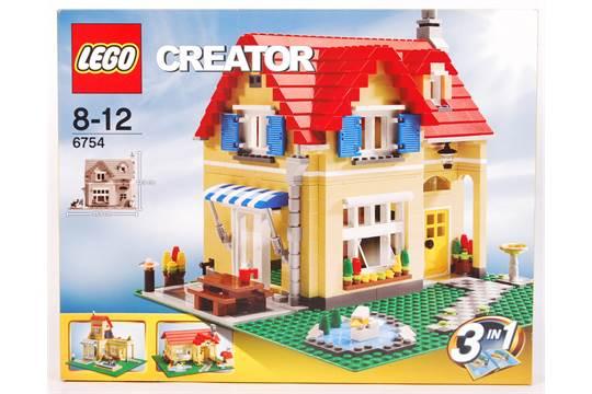 A rare Lego Creator set No  6754 ' 3In1 Family Home