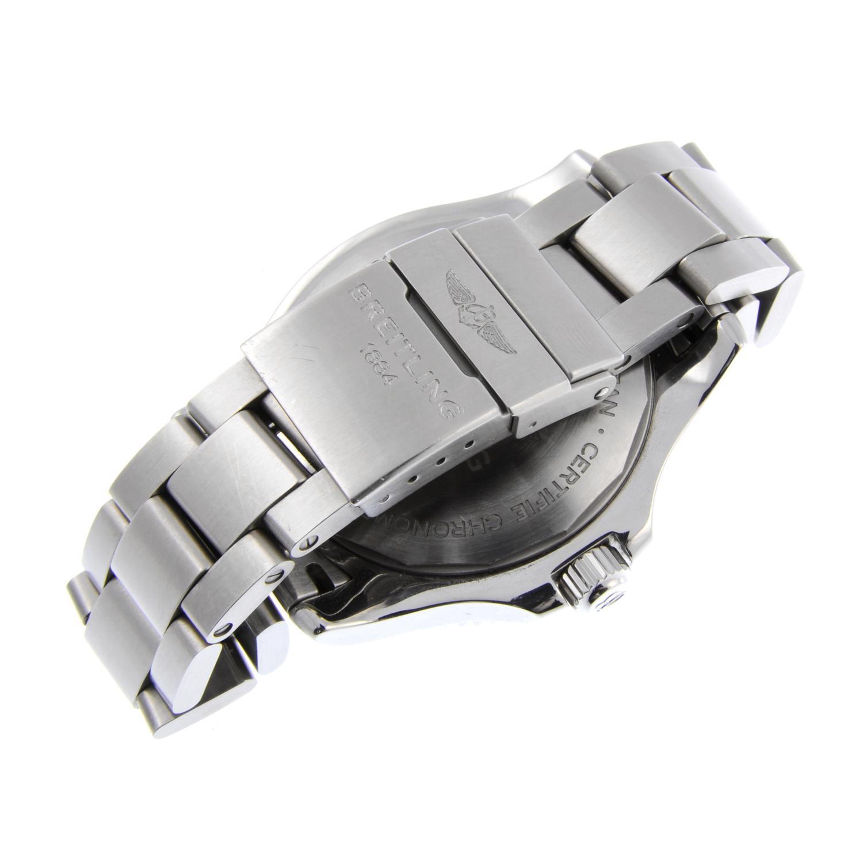 BREITLING - a gentleman's SuperOcean 42 bracelet watch. - Bild 2 aus 4